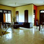 wave_guru_surf_camp_bali_villa_upstairs_living_area